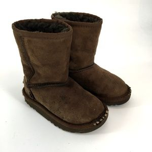 9e02491e36c Kids' Short Ugg Boots on Poshmark